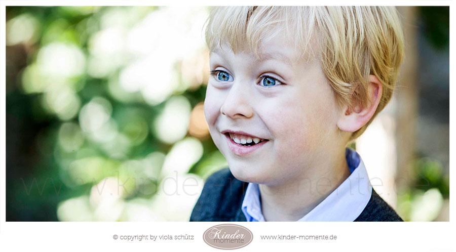 kinderfotografin-muenchen-geschwisterbilder-professionelle-familienfotos-ungestellt-02