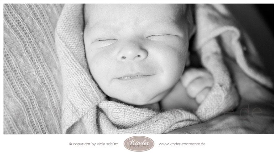 fotoshooting-neugeborene-geschwisterbilder-babyfotografin-muenchen-02