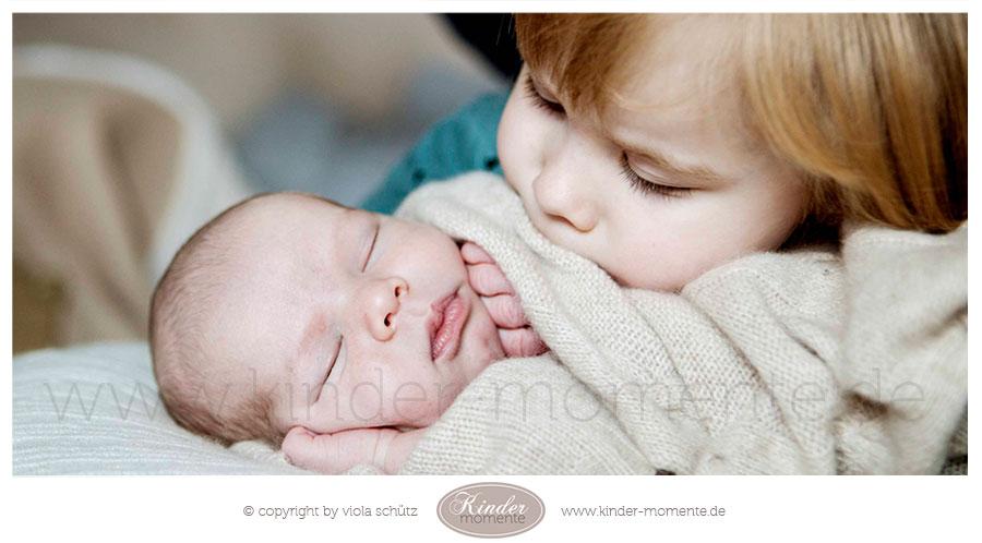 fotoshooting-neugeborene-geschwisterbilder-babyfotografin-muenchen-03