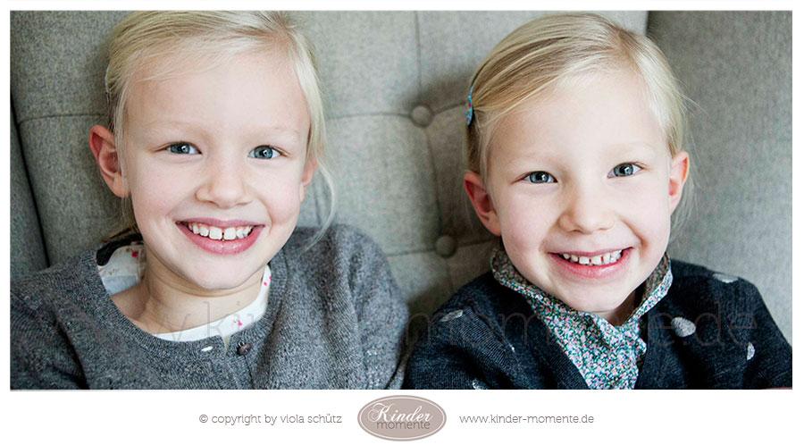 familienfotografin-geschwister-fotoshooting-natuerliche-familienfotos-muenchen-01