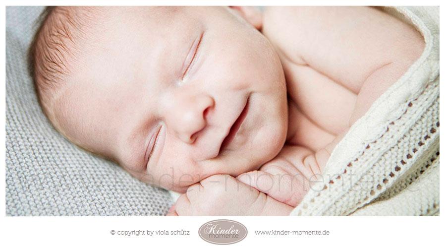 fotograf-fuer-neugeborene-familienfotograf-newborn-shooting-muenchen-01