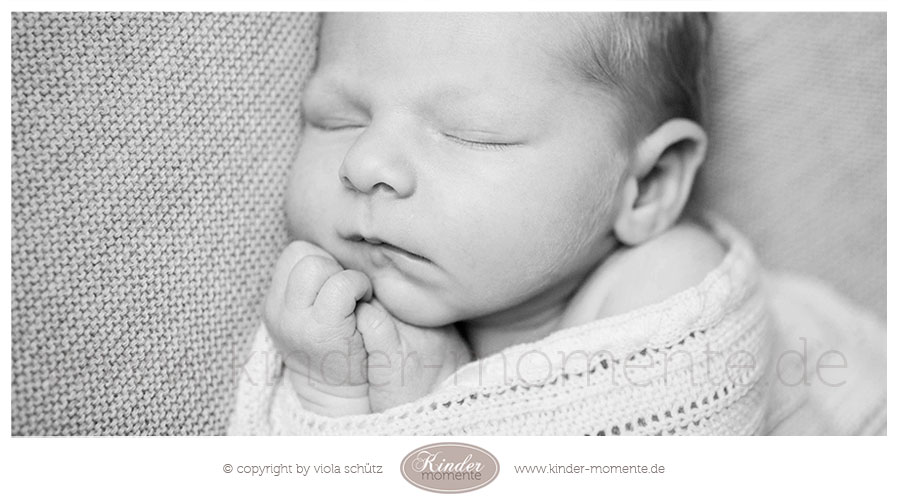 fotograf-fuer-neugeborene-familienfotograf-newborn-shooting-muenchen-03